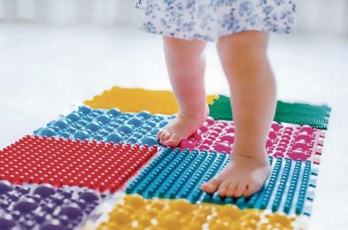 Массажные коврики - лежать или ходить?
